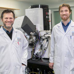 PAPER: PIE-scope, integrated cryo-correlative light and FIB/SEM microscopy