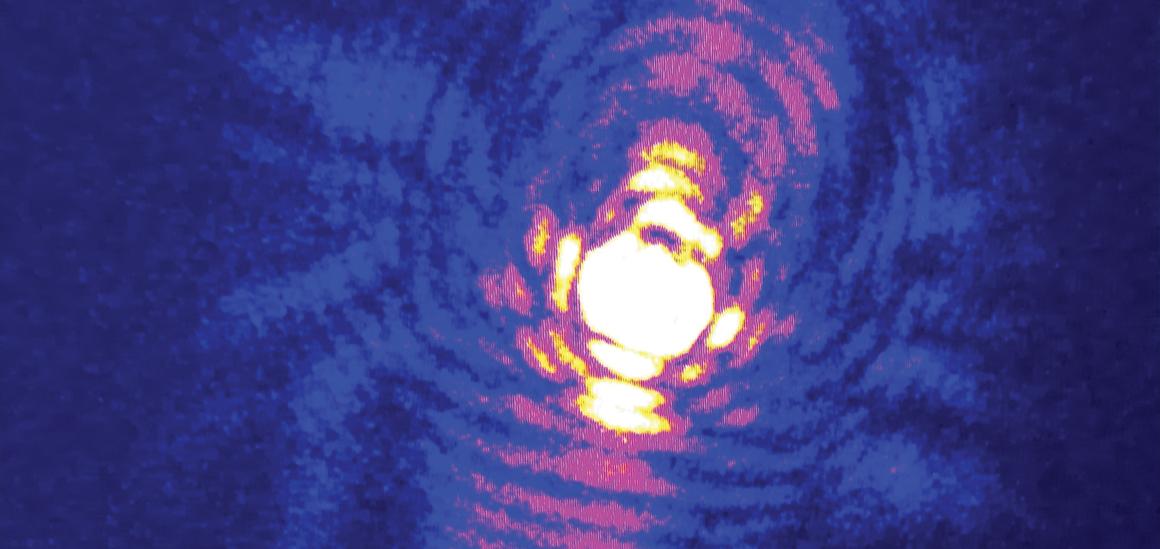 Broadband x-ray ptychography